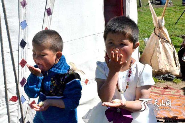 新疆哈萨克族的饮食文化——酸奶疙瘩